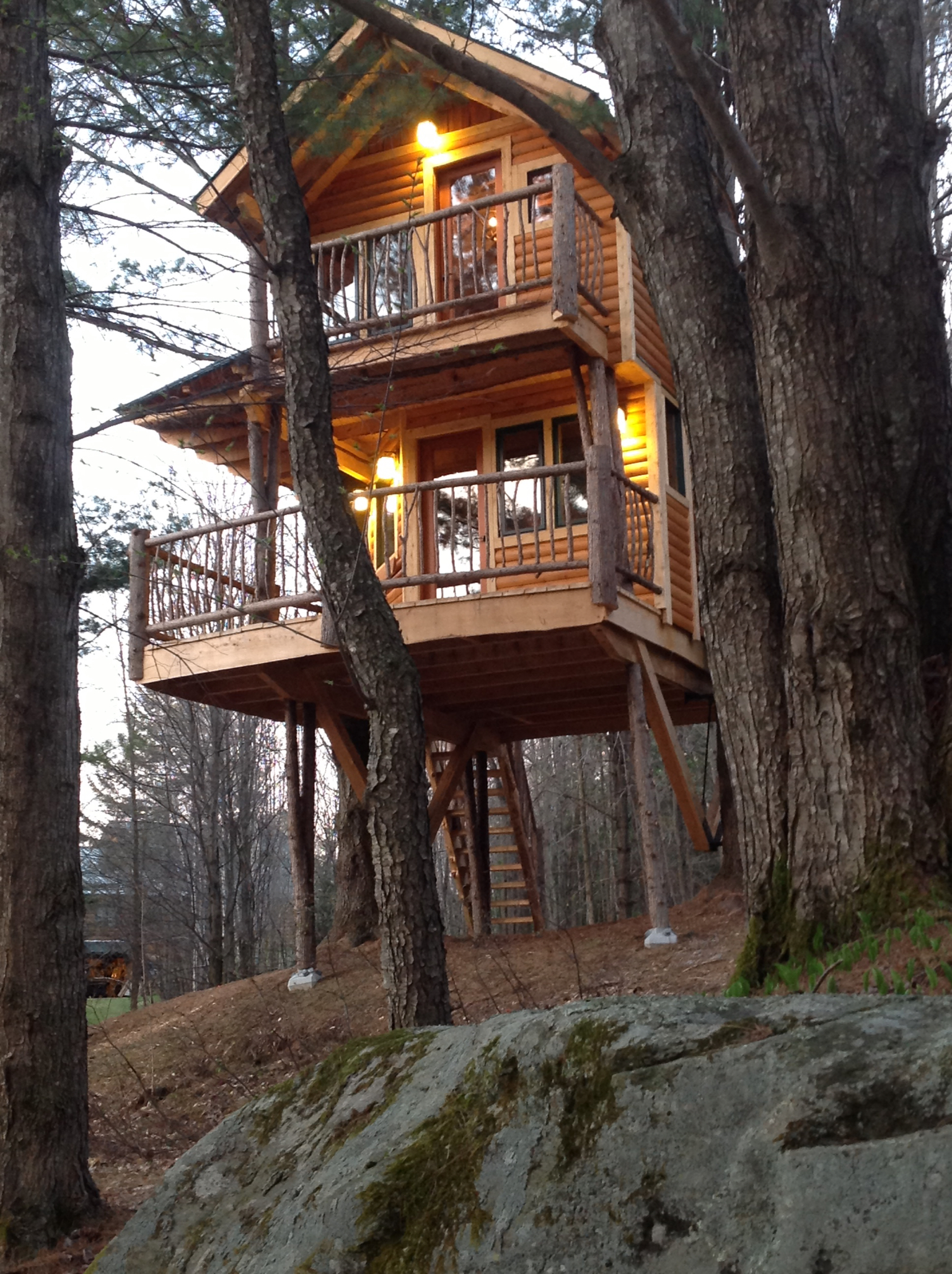 Treehouse at moose meadow Two story holiday homes