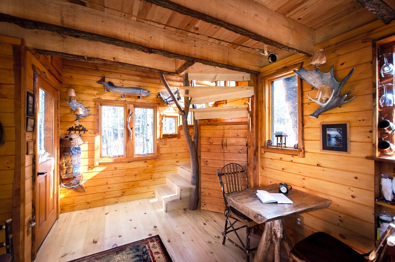 moose meadow lodge treehouse