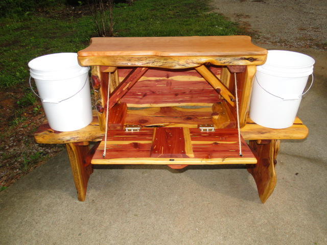 Cedar fish cleaning station