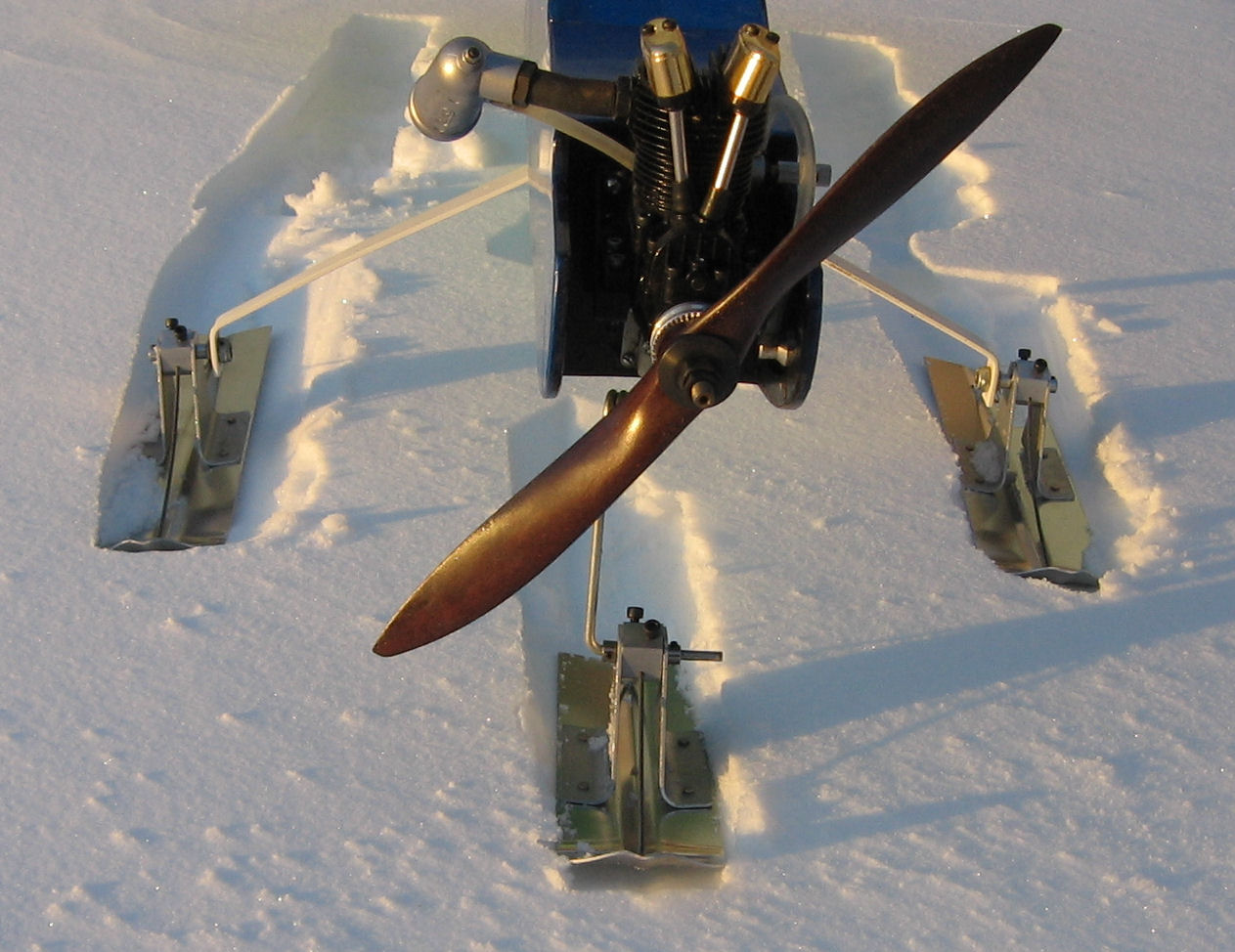 Standard Tricycle Snow Skis for R/C model airplanes
